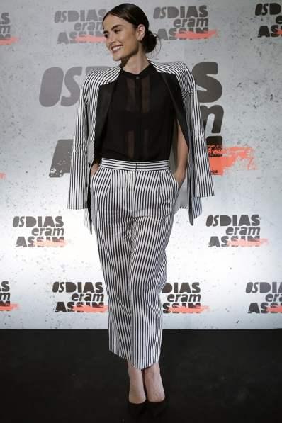 Fonte: http://arevistadamulher.com.br/news/content/2447225-look-da-semana-alfaiataria-listrada-de-maria-casadevall